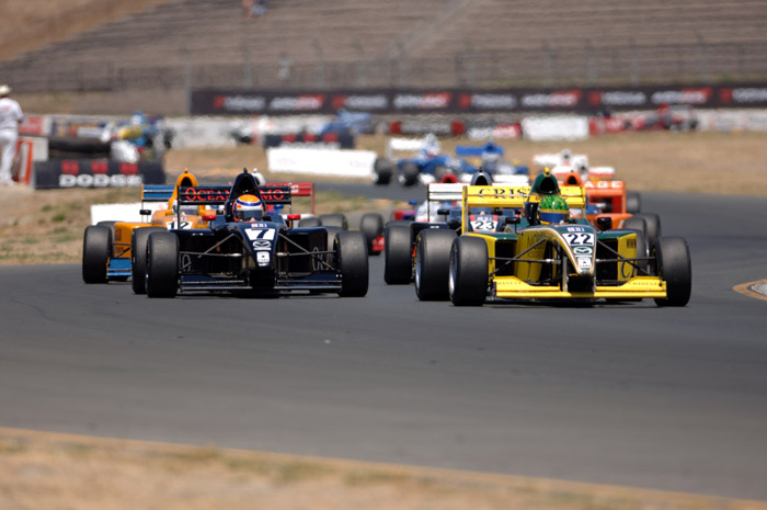Donoso beats Andretti in Star Mazda