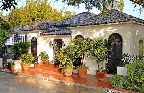 Muniz lists a Sunset Strip-area home for sale