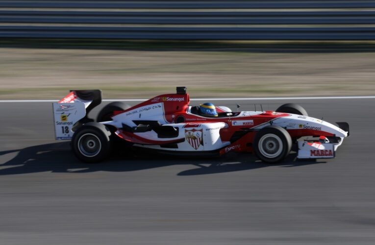 Superleague to scrap old Champ Car for new chassis?