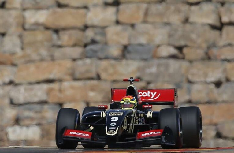 Vaxiviere leads FR3.5 practice day
