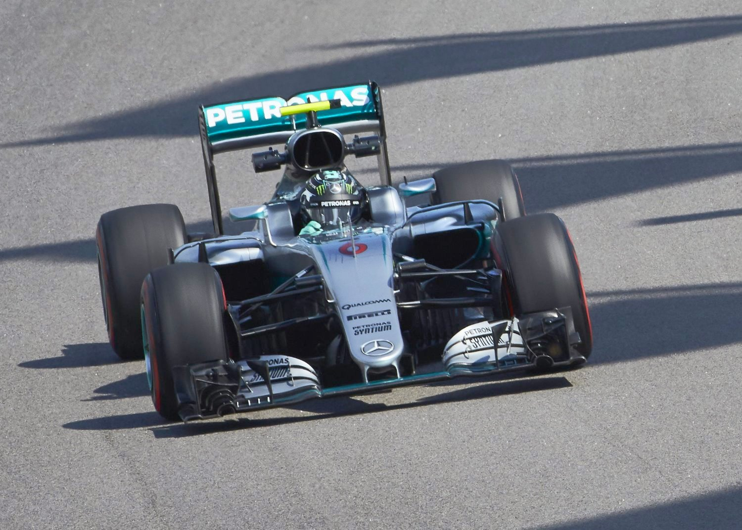 Rosberg eases to easy pole, his 2nd of the year