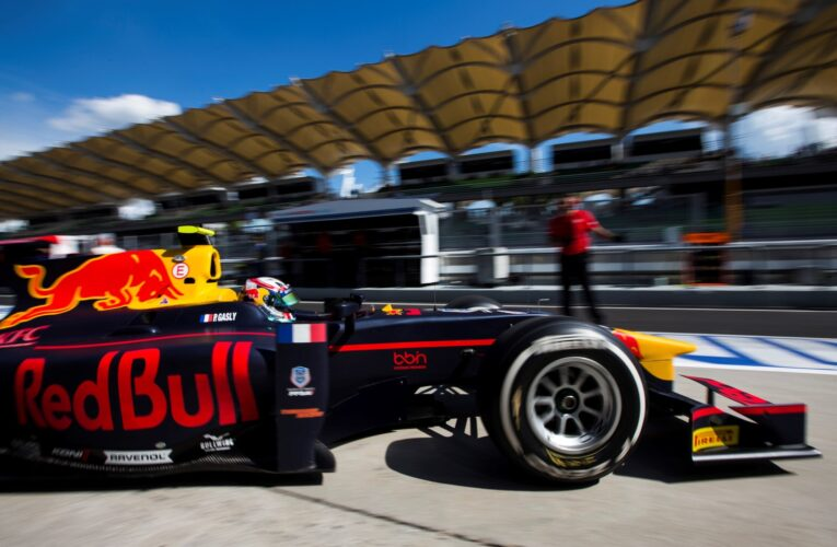 Gasly charges to Abu Dhabi pole