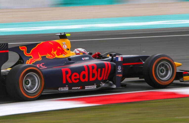 Gasly grabs pole for Race 1 in Malaysia