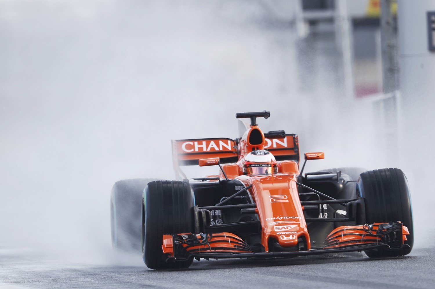 Vandoorne testing Pirelli's wet tires in Barcelona