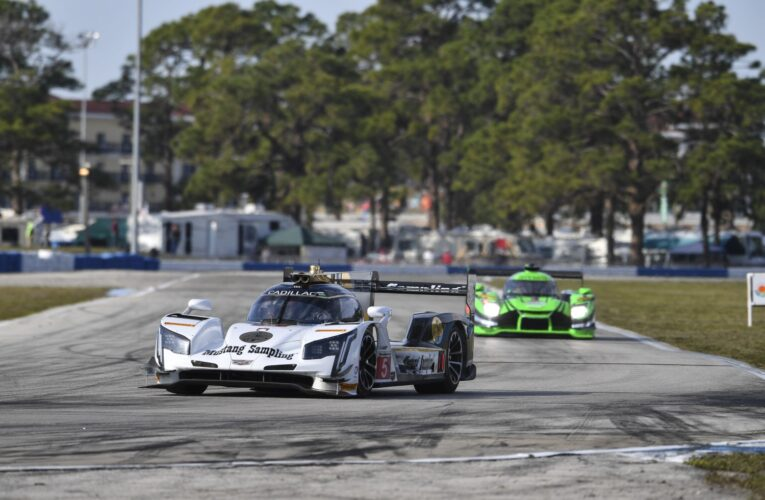 Sebring Hour 3: Cadillac leads at the 1/4 mark