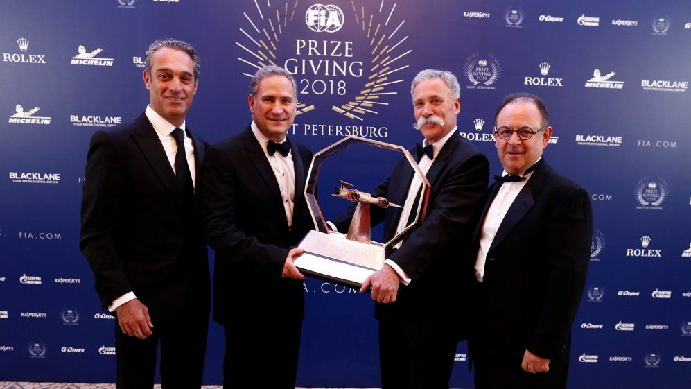 The Mexican Grand Prix promoters collect the 2018 Best Promoter Award from Chase Carey, Chairman and CEO of F1