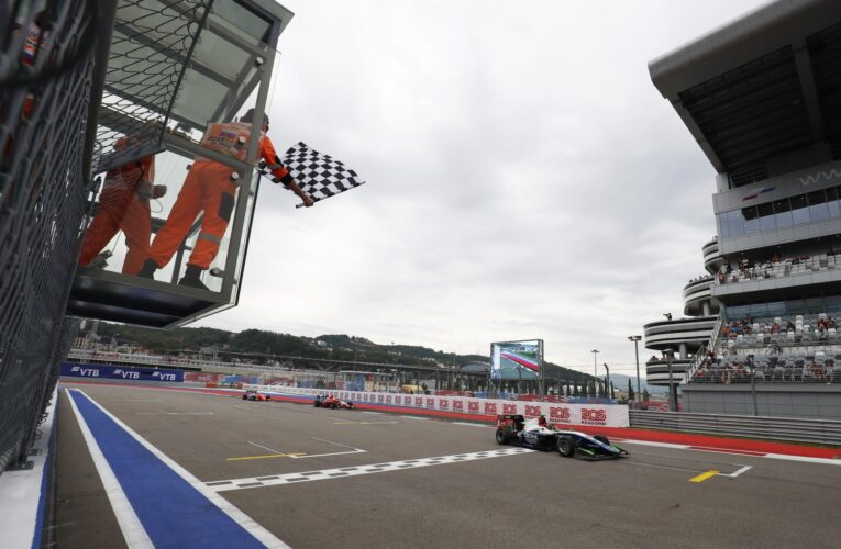 Beckmann snatches victory on final lap of Sochi Race 2