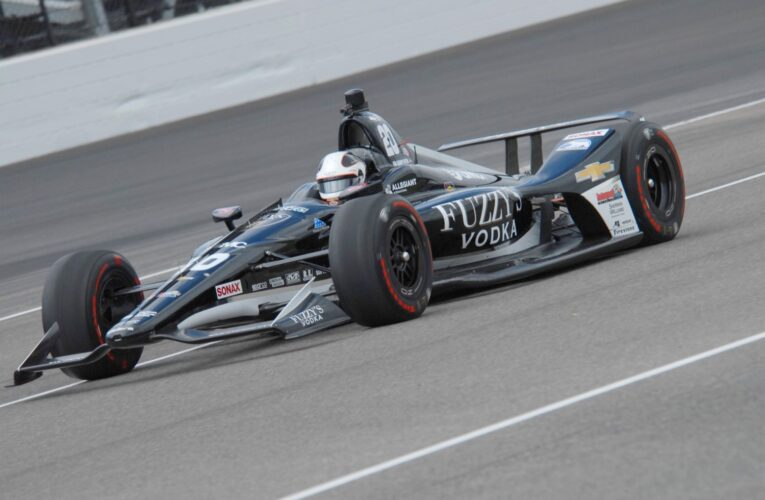 Ed Carpenter wins pole for Indy 500