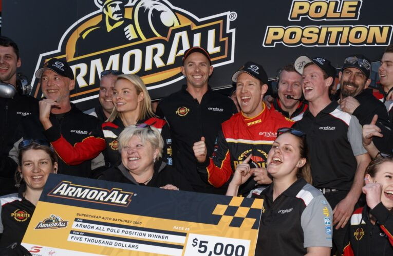 Reynolds claims pole as he looks to defend Bathurst crown