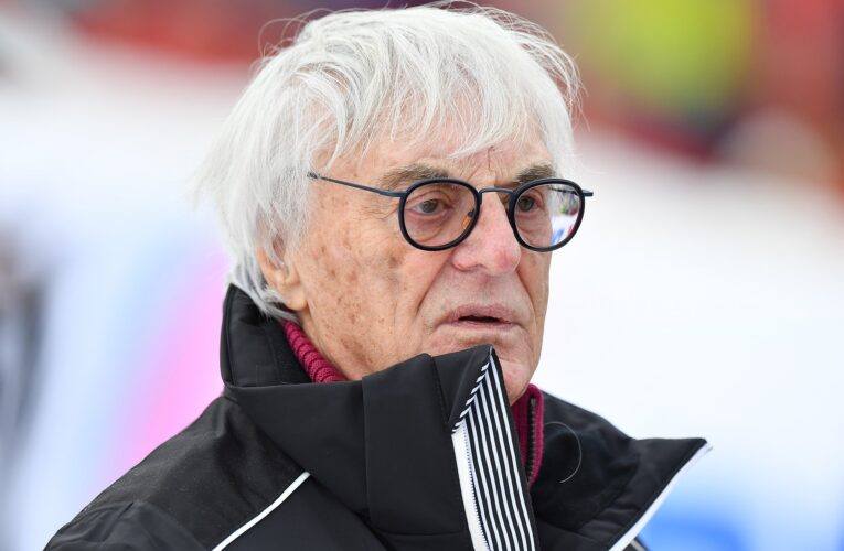 Ecclestone says drivers still call for advice