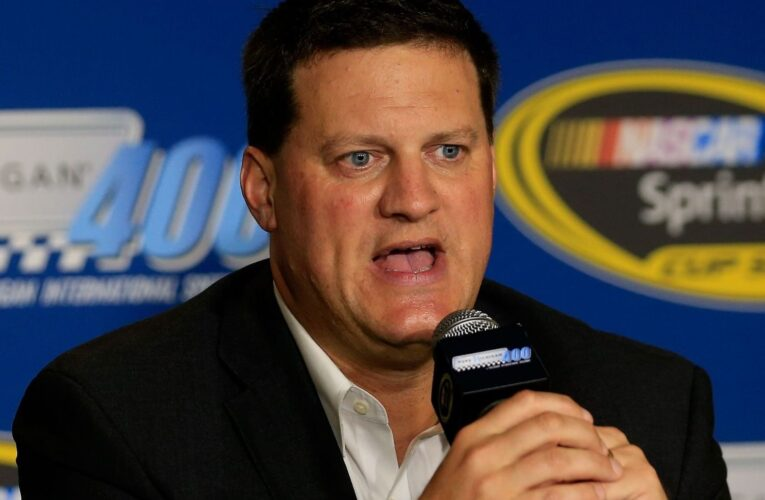 NASCAR's O'Donnell gives first dirt race since 1970 a thumbs up