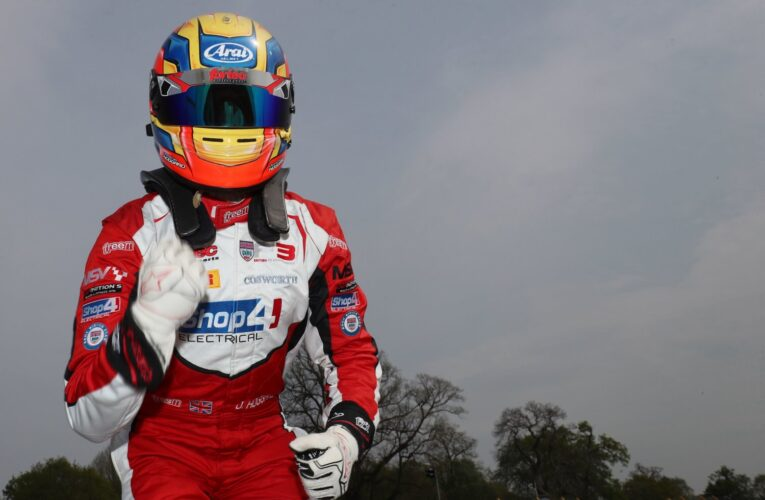 Frederick and Hoggard hop to Easter Monday victories at Oulton Park