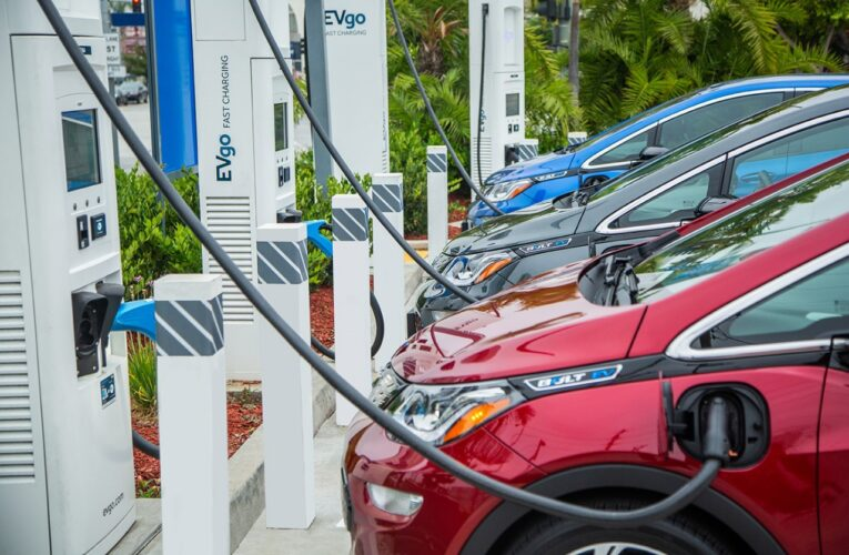 GM and EVgo aim to accelerate widespread EV adoption by adding fast chargers nationwide