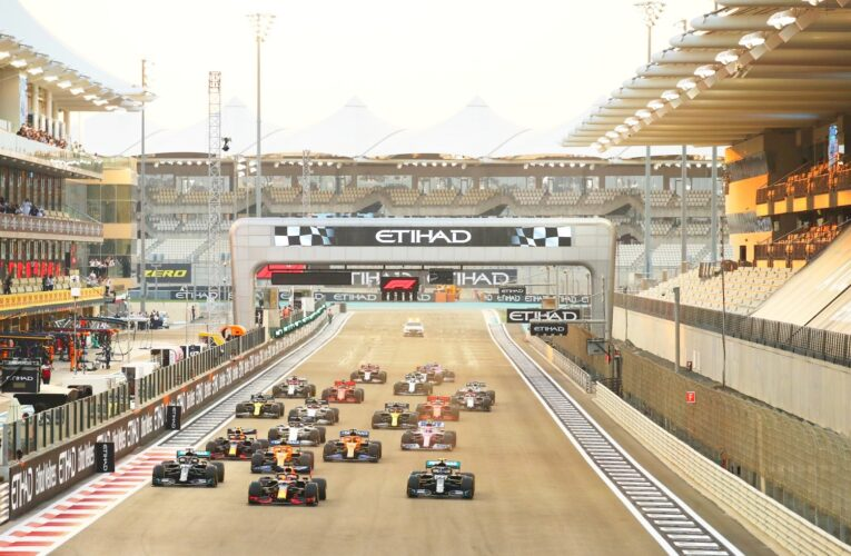 Rumor: F1 races to start at top of hour again in 2021