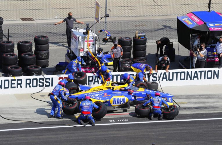 Once again Rossi's and Hunter-Reay's pit crews screwed up their Indy 500 chances  (Update)