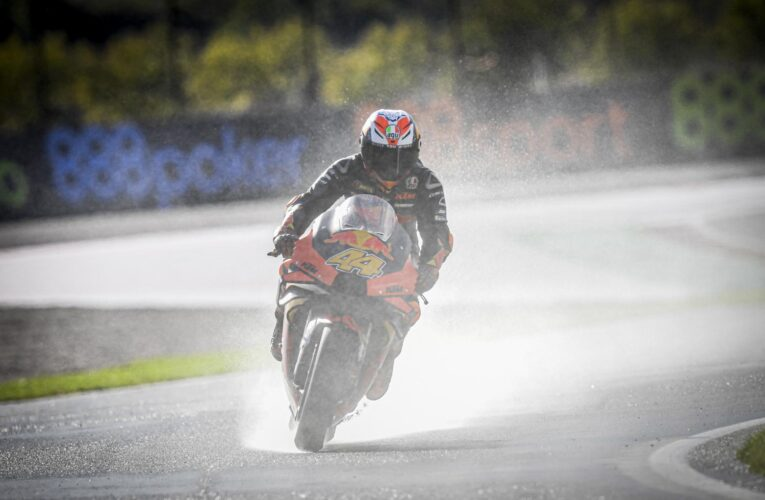 MotoGP: Espargaro wins wet Valencia pole, Quartararo choking