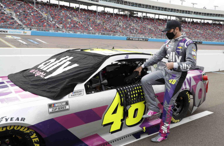 Jimmie Johnson awarded Bill France Award of Excellence