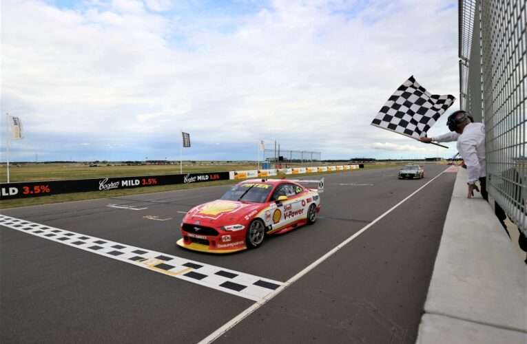 Coulthard wins at The Bend, Whincup and McLaughlin crash