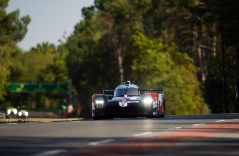 Le Mans Hour 21: #8 Toyota stretches' lead, LMGTE-Pro battle wages
