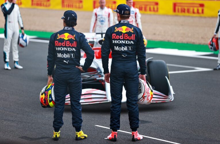F1: Red Bull's contracts 'suffocating' drivers