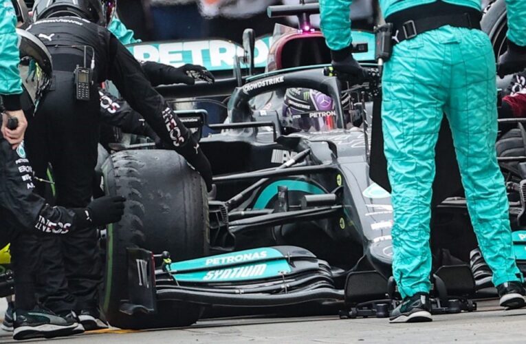 F1: Hamilton denies being 'furious' about tire call