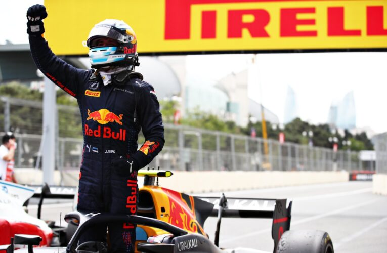 F2: Vips edges Piastri for feature win