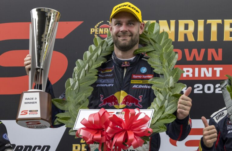Van Gisbergen breaks record with win from 17th at Sandown