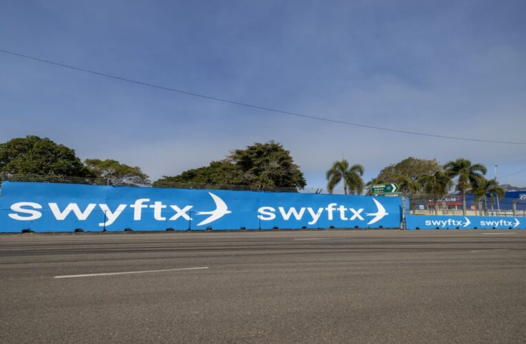 Cryptocurrency Exchange Swyftx signs with Supercars