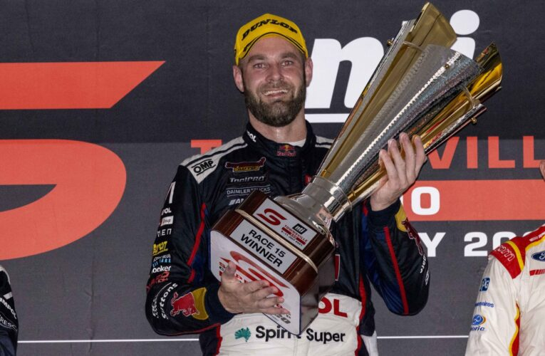Supercars: Van Gisbergen overtakes Whincup late to claim victory in Townsville