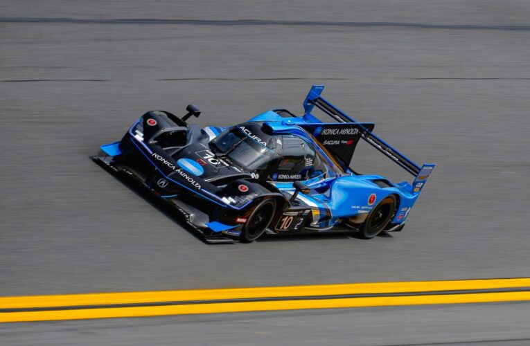 Rolex 24 Hour 22: Taylor keeps #10 Acura up front