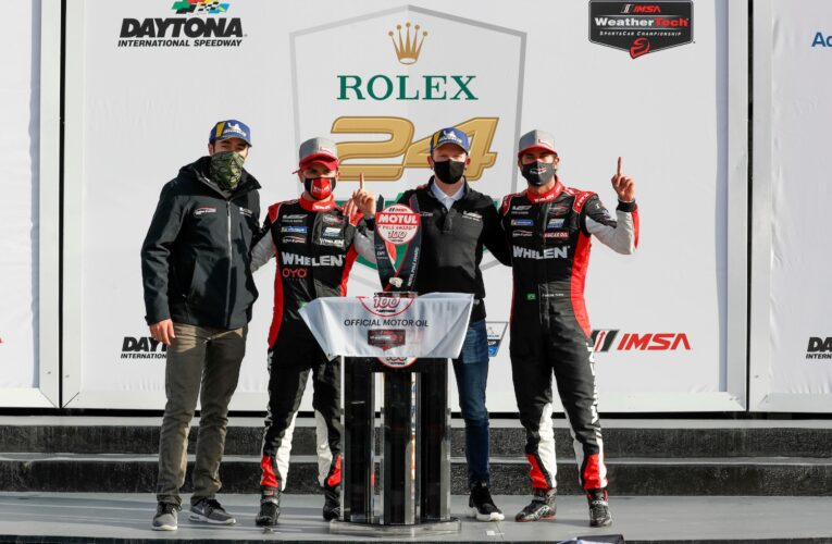 Derani holds off Tincknell to win pole for Rolex 24