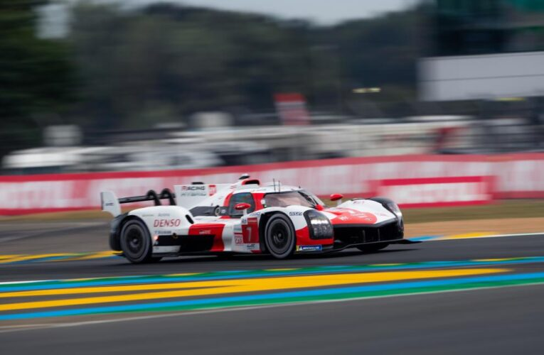 Le Mans Hour 1-3: Toyota leads overall after wet start