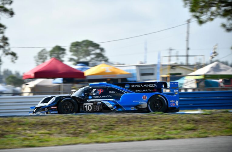Sebring Hour 2: Wayne Taylor Racing #10 Acura out front