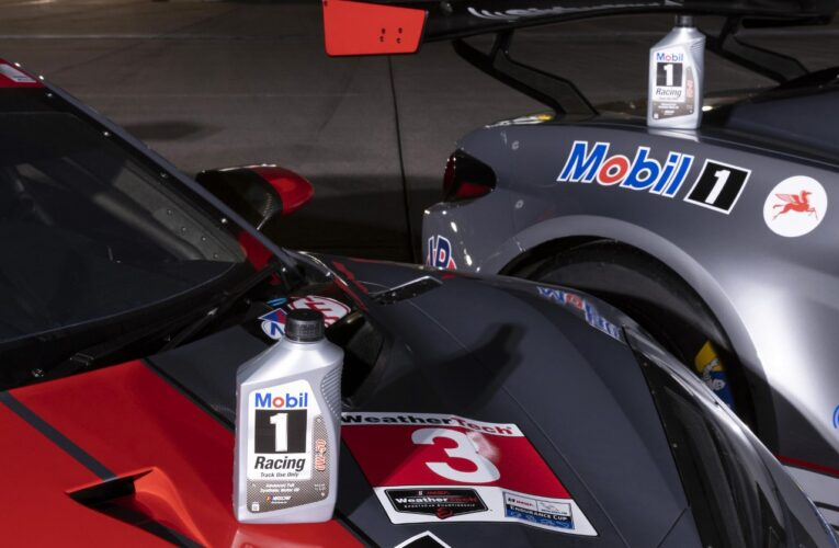 Video: Corvette Racing on the Mobil1 12 Hours of Racing 2021