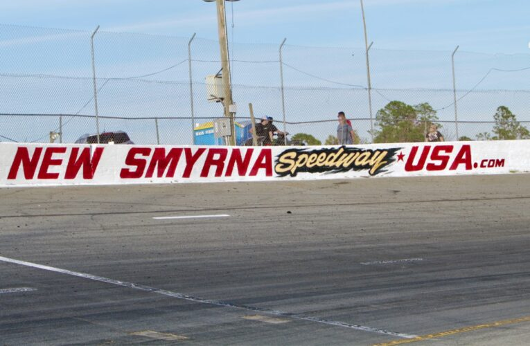 Tech official dies breaking up fight at New Smyrna