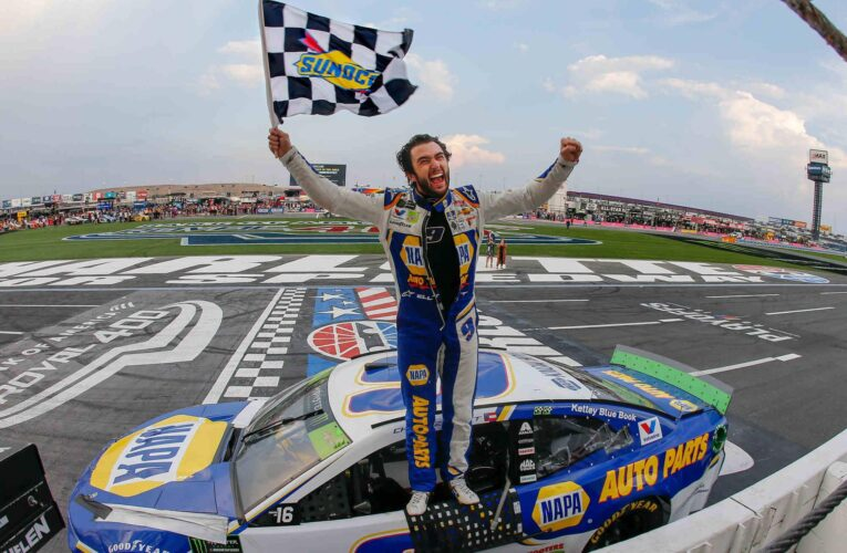 Chase Elliott rallies to win at the Charlotte ROVAL